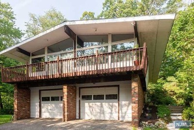 West Milford Single Family Home For Sale: 23 Bayonne Drive