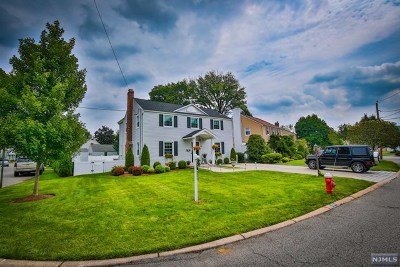 Maywood Single Family Home For Sale: 368 Concord Drive