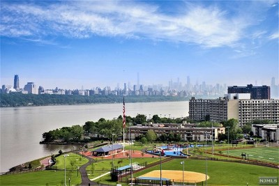 Edgewater Condo/Townhouse For Sale: 1203 River Road #11k