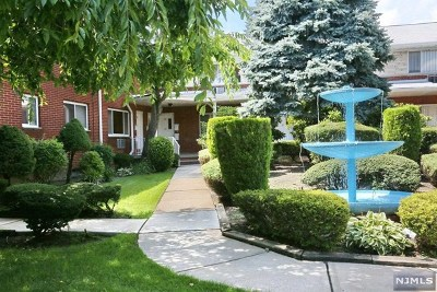 Fort Lee NJ Condo/Townhouse For Sale: $379,500