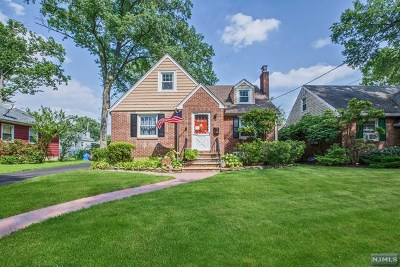 New Milford Single Family Home For Sale: 411 Charles Street