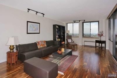 Cliffside Park NJ Condo/Townhouse For Sale: $528,800