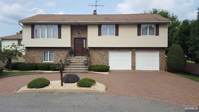 Saddle Brook Single Family Home For Sale: 8 Rosario Court