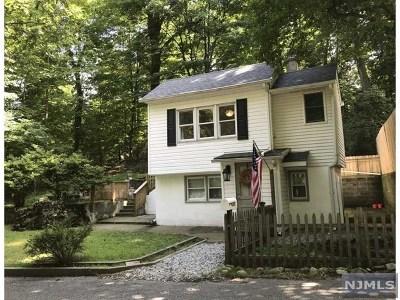 Ringwood Single Family Home For Sale: 153 Snake Den Road