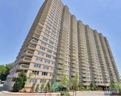 Fort Lee Condo/Townhouse For Sale: 555 North Avenue #26v