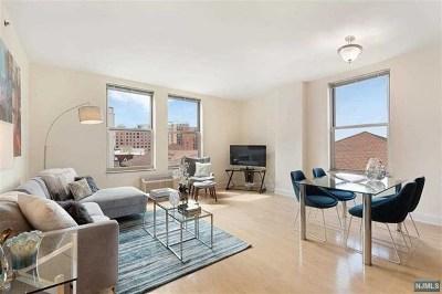 Jersey City Condo/Townhouse For Sale: 10 Regent Street #712