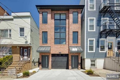 Jersey City Condo/Townhouse For Sale: 118 Irving Street #1
