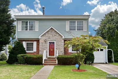 Saddle Brook Single Family Home For Sale: 58 South Broadway