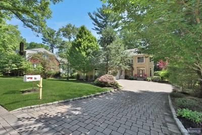 Closter Single Family Home For Sale: 89 Columbus Avenue