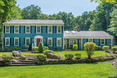Morris County Single Family Home For Sale: 6 Hilltop Road