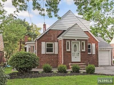 Dumont NJ Single Family Home For Sale: $424,900