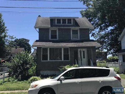 Teaneck Single Family Home For Sale: 194 Walnut Street