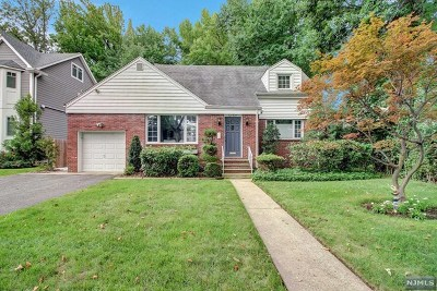 Teaneck Single Family Home For Sale: 412 Briarcliff Road