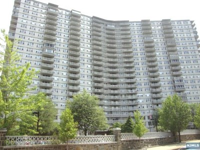 Fort Lee Condo/Townhouse For Sale: 2000 Linwood Avenue #11u
