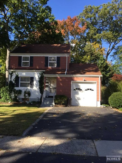River Edge Single Family Home For Sale: 485 The Fenway
