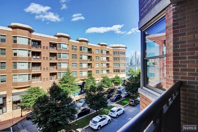 West New York Condo/Townhouse For Sale: 22 Ave At Port Imperial #308