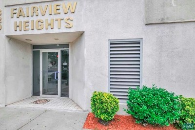 Fairview Condo/Townhouse For Sale: 320 Anderson Avenue #2a
