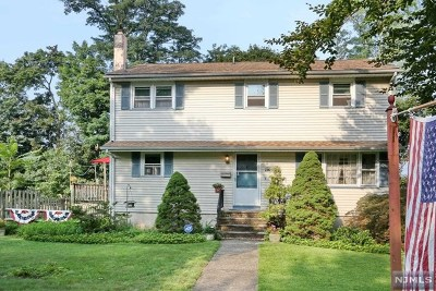 Mahwah Single Family Home For Sale: 2 Hillside Avenue