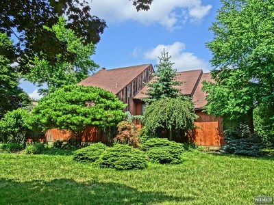 Mahwah Single Family Home For Sale: 5 Country Lane