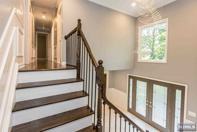 Morris County Single Family Home For Sale: 21 The Crossway