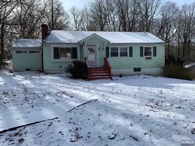 Ringwood Single Family Home For Sale: 16 Longview Lane