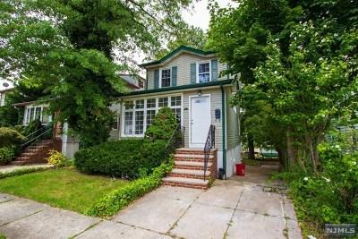 Cliffside Park Single Family Home For Sale: 683 Jefferson Avenue