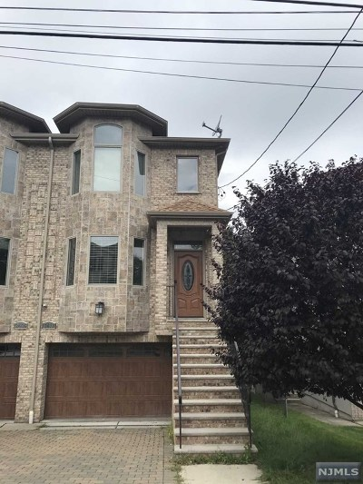 Fort Lee Condo/Townhouse For Sale: 2411 Rossett Street