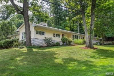 Hawthorne Single Family Home For Sale: 56 Hillcrest Avenue