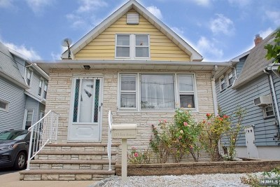 Lyndhurst Single Family Home For Sale: 119 Fern Avenue