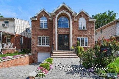 Fort Lee Single Family Home For Sale: 223 Virginia Avenue