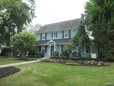 Ridgewood Single Family Home For Sale: 94 Glenwood Road