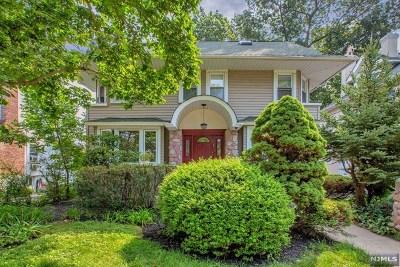 Fort Lee Single Family Home For Sale: 1056 Abbott Boulevard