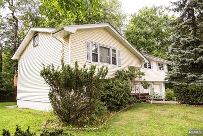 Teaneck Single Family Home For Sale: 759 Cottage Place