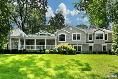 Woodcliff Lake Single Family Home For Sale: 57 Woodcrest Drive