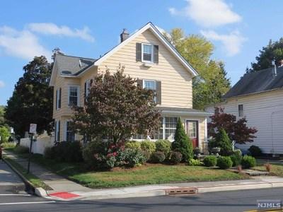 Wanaque Single Family Home For Sale: 582 Ringwood Avenue