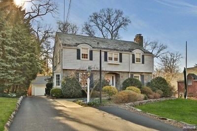 Ridgewood Single Family Home For Sale: 341 Beechwood Road