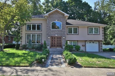 Fair Lawn Single Family Home For Sale: 40-02 Monroe Street