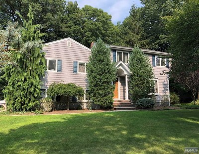 Waldwick Single Family Home For Sale: 1 Wilda Lane