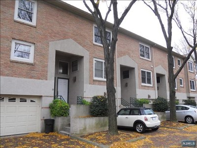 Edgewater Condo/Townhouse For Sale: 19 Grand Cove Way