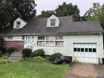 Teaneck Single Family Home For Sale: 86 Sherwood Avenue
