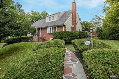 Teaneck Single Family Home For Sale: 521 Kensington Road