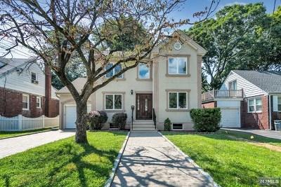 Fair Lawn Single Family Home For Sale: 3-22 Cyril Avenue