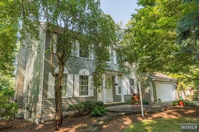 Mahwah Single Family Home For Sale: 46 Franklin Street