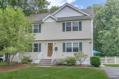 Ridgewood Single Family Home For Sale: 422 Berkshire Road