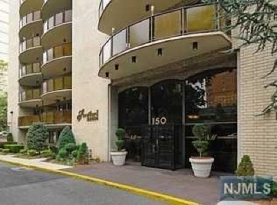 Hackensack Condo/Townhouse For Sale: 150 Overlook Avenue #Ph4