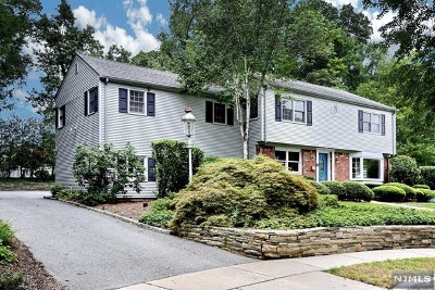 Oradell Single Family Home For Sale: 87 Deerfield Court