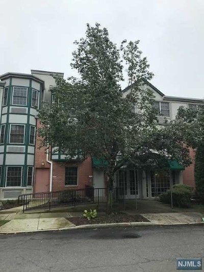 Teaneck Condo/Townhouse For Sale: 323 Willow Street #211