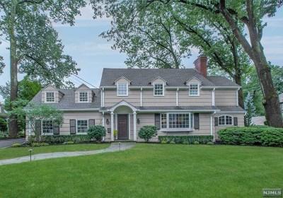 Ridgewood Single Family Home For Sale: 218 Fairmount Road