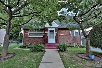 Teaneck Single Family Home For Sale: 1649 Shelbourne Street
