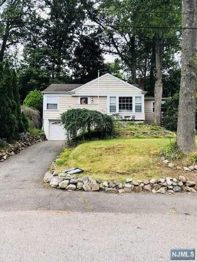 Wayne Single Family Home For Sale: 165 Beech Terrace
